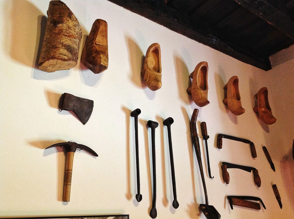 museo-etnografico-cantabria-albarcas-proceso