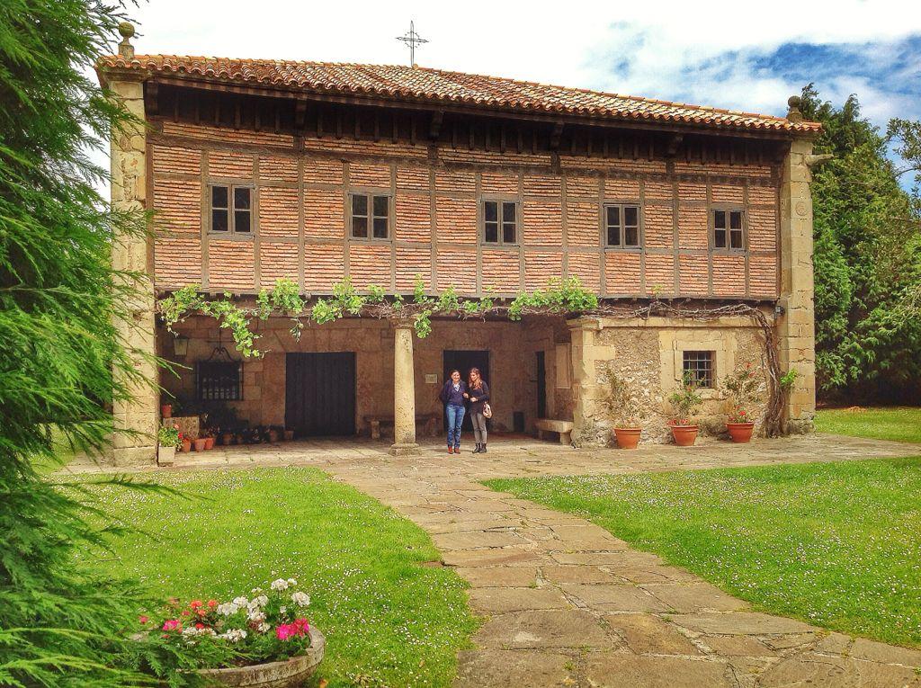 museo-etnografico-cantabria-fachada