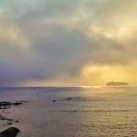 Así entró la niebla en el Sardinero y en la bahía de Santander