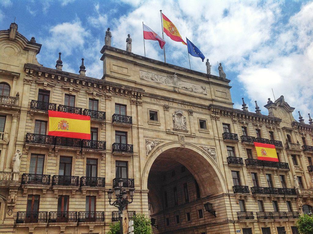 banco-santander-banderas-españa