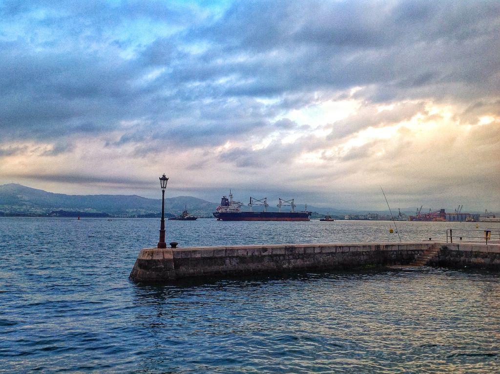 barco-puerto-santander