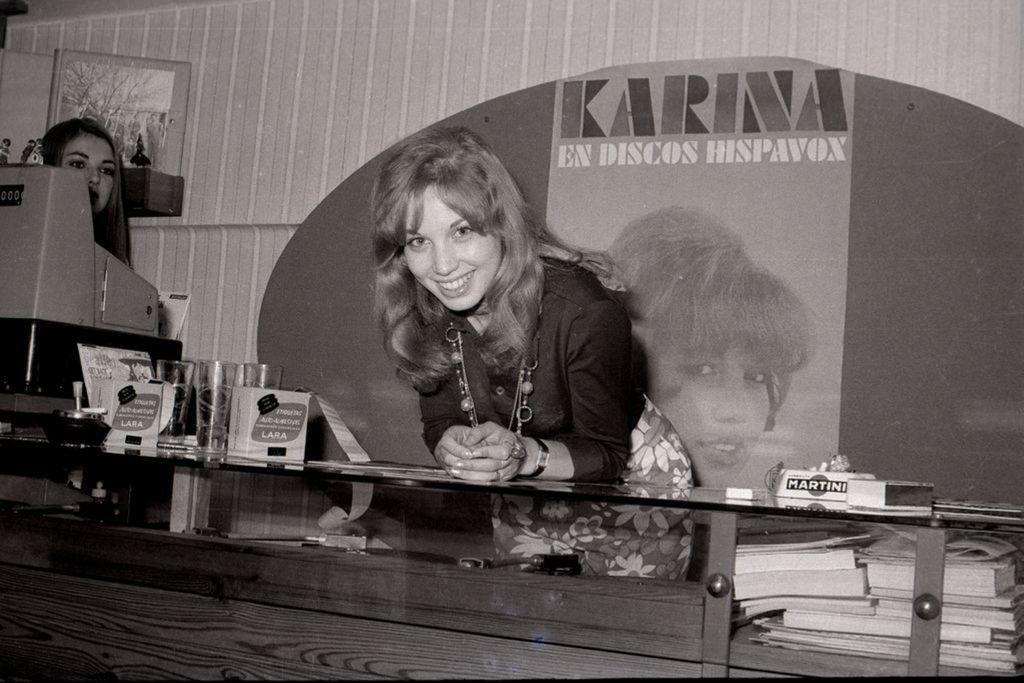 karina-santander-1970-mazo