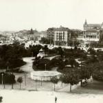 Los Jardines de Pereda en 1905, con el kiosko de la música destrozado por el viento sur