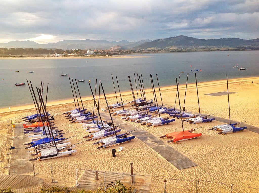 barcos-mundial-playa-peligros-santander