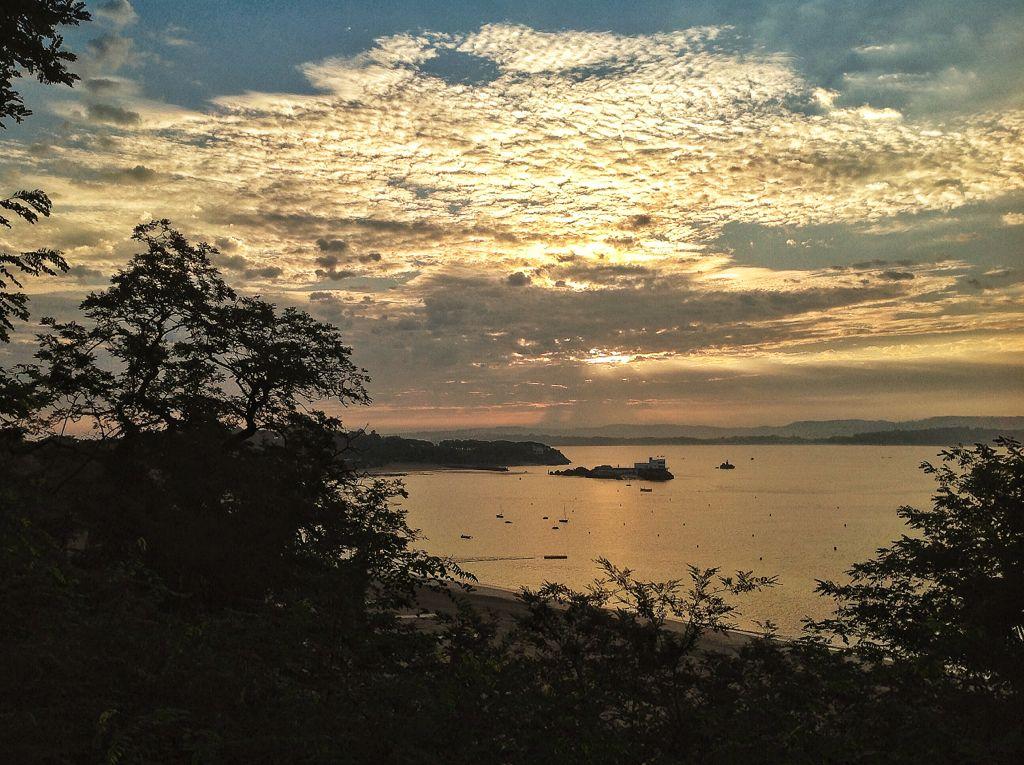 cielos-amanecer-bahia-santander