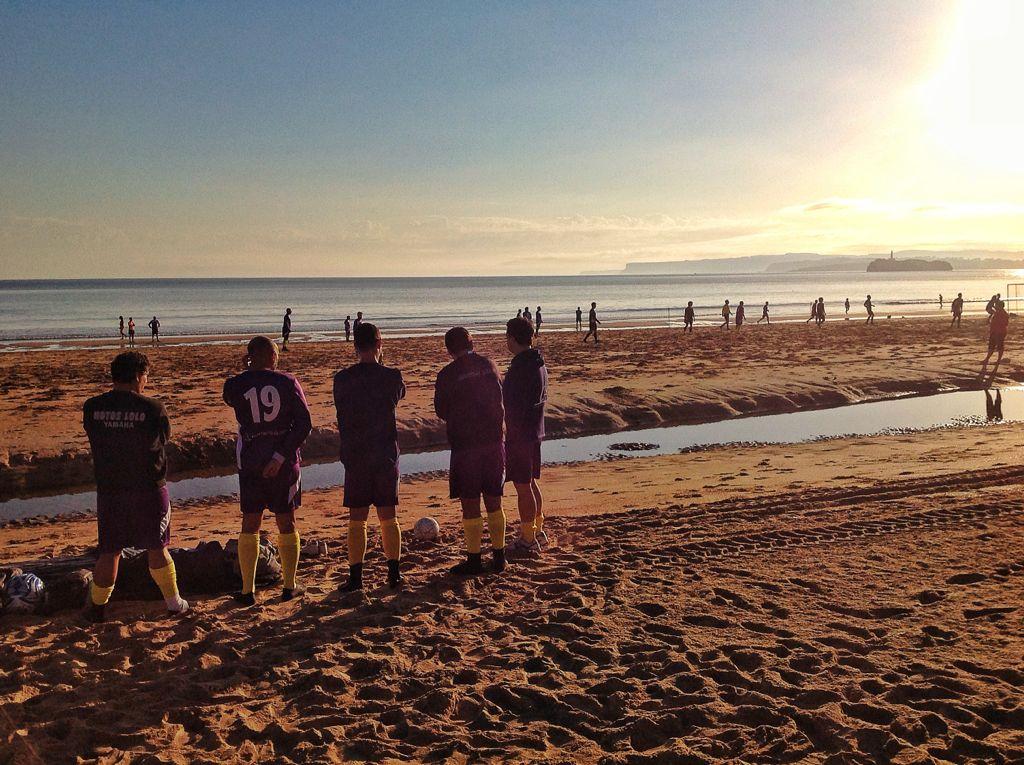 futbol-playa-sardinero-santander