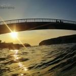 La ola que se quería comer el puente de La Virgen del Mar