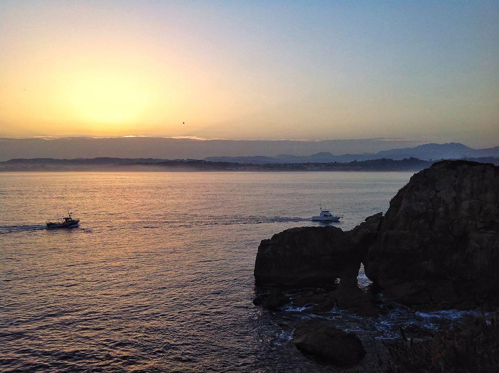 a-puerto-al-amanecer-bahia-santander