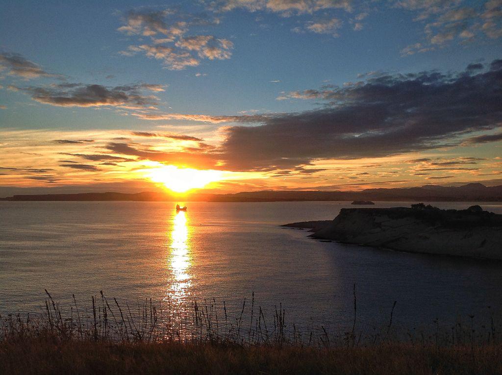 amanecer-buque-abra-sardinero