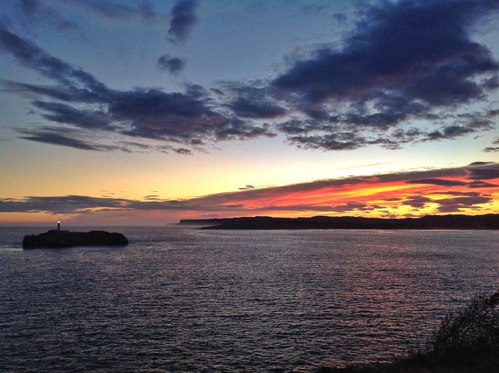 amanecer-isla-muro-sur-rojos