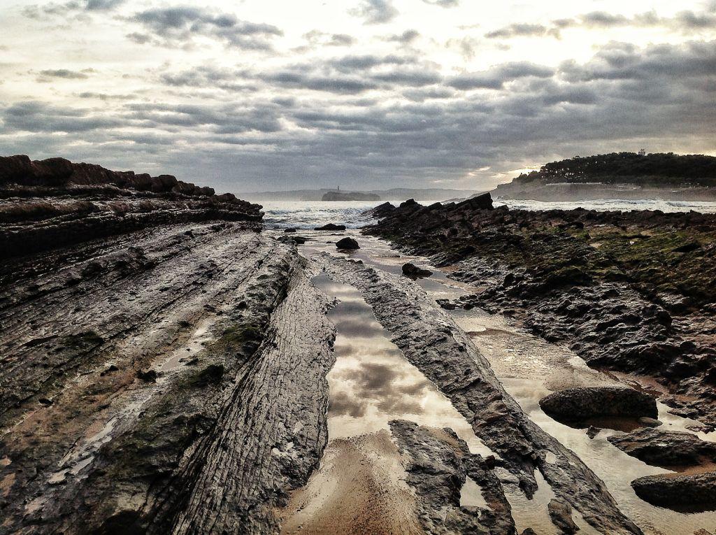 bajamar-rocas-isla-mouro-santander