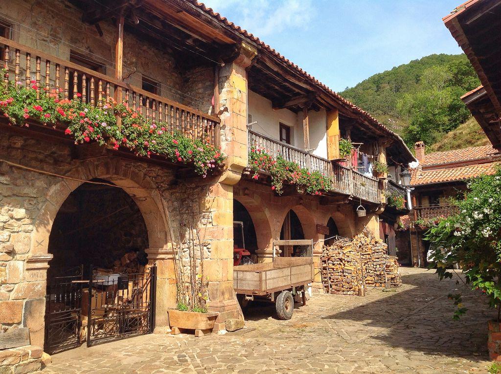 El mirador de pe a colsa ad ntrate y disfruta del valle for Casas de pueblo en cantabria