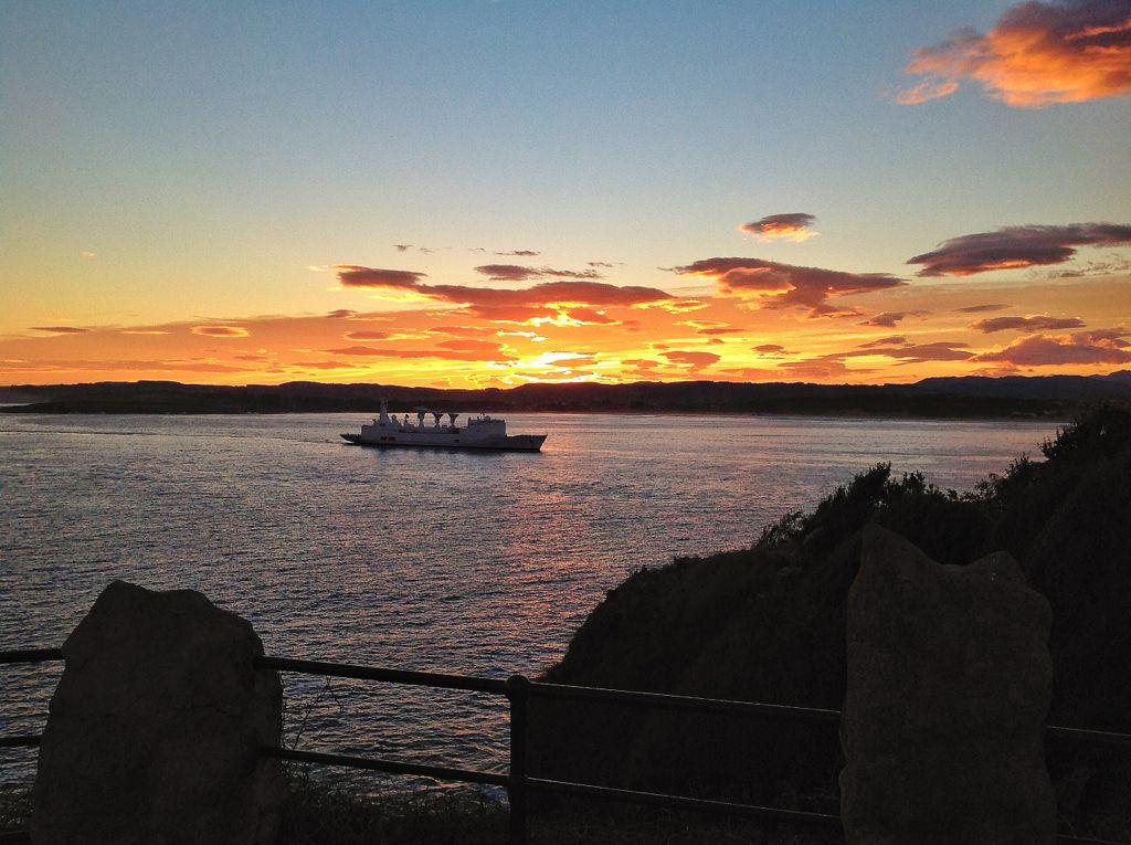 barco-amanecer-santander