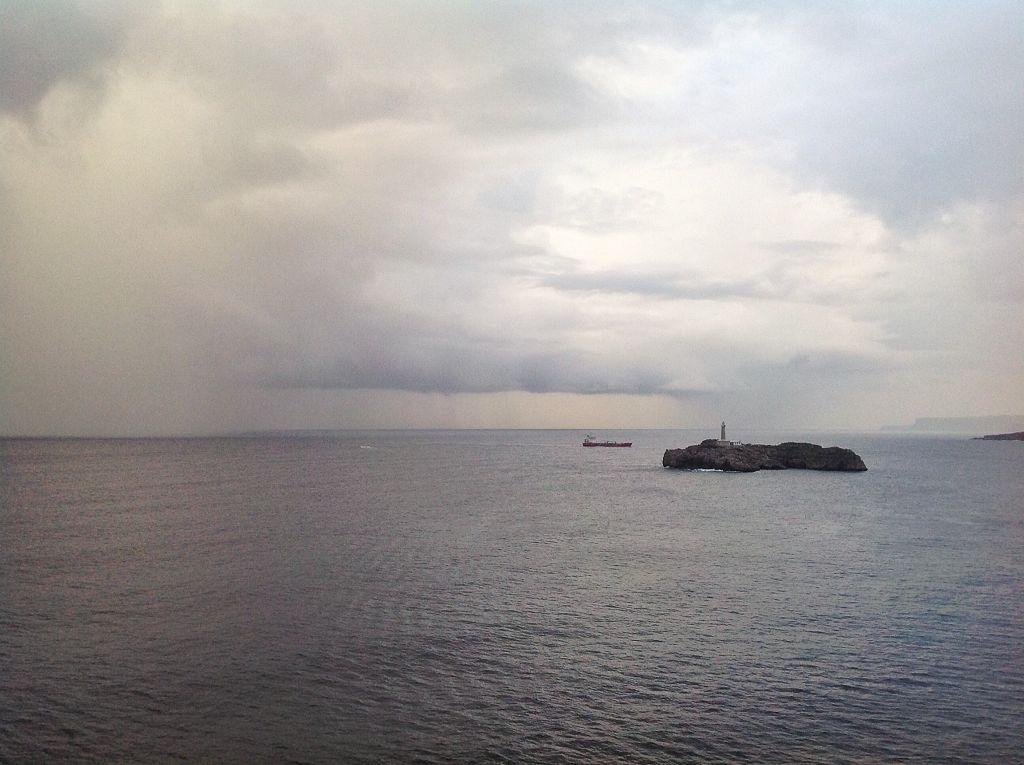 cortina-agua-isla-mouro