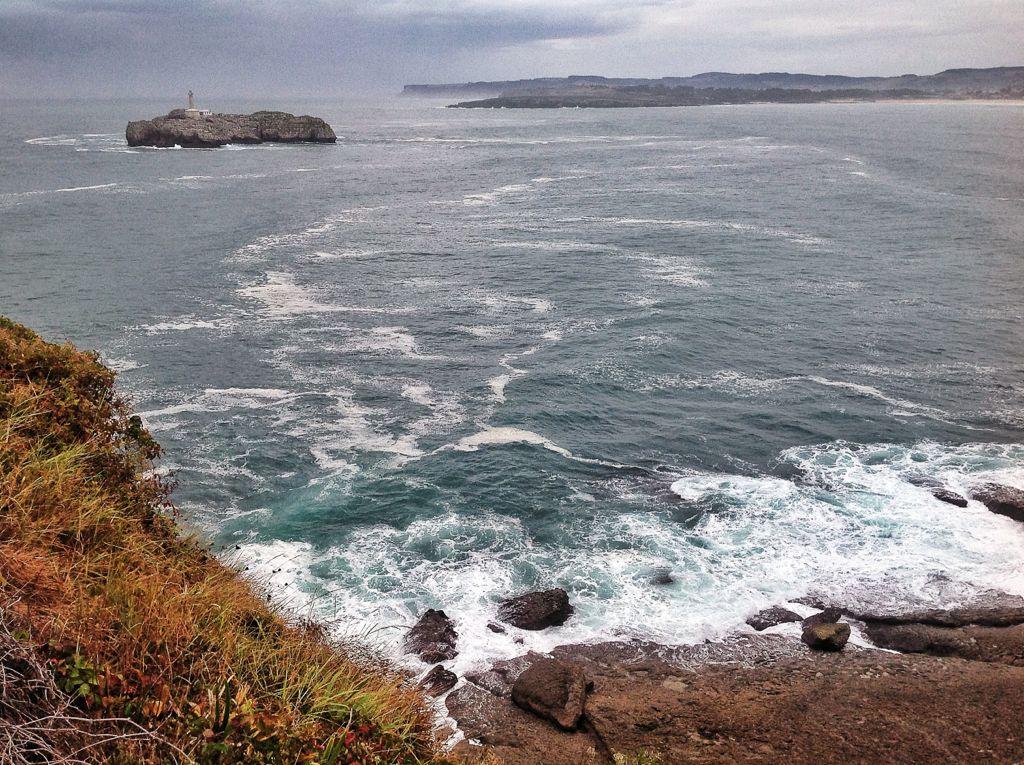 isla-mouro-gris-olas