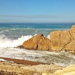 Revoltosa mar en La Arnía. Cascarón de nuez. Covachos. Manto blanco
