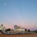 Luna, lunera sobre el Sardinero