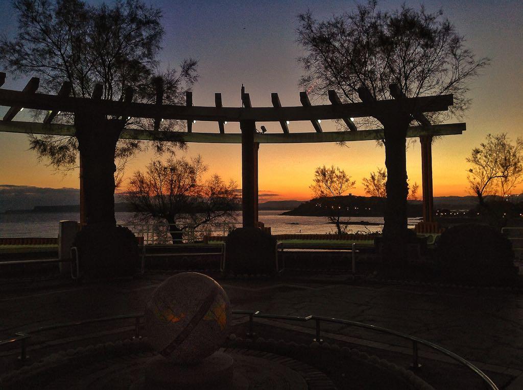 amanecer-bola-mundo-piquio