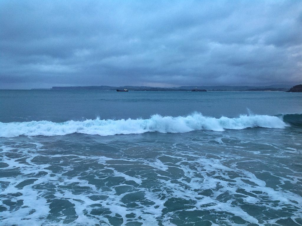 ola-rompe-sardinero-buque-isla-mouro