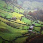 Cantabria en estado puro. Los verdes y las cabañas de Vega de Pas