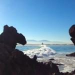 Surf en la bahía y bajo la mirada de un camello. ¿Te lo crees?