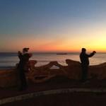 Fotógrafos, bañistas, surfistas, andarines… al amanecer por el Sardi