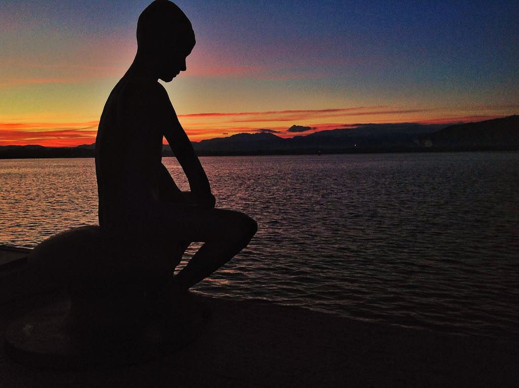 pensativo-amanecer-santander