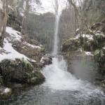 Las cascadas de Lamiña nevadas
