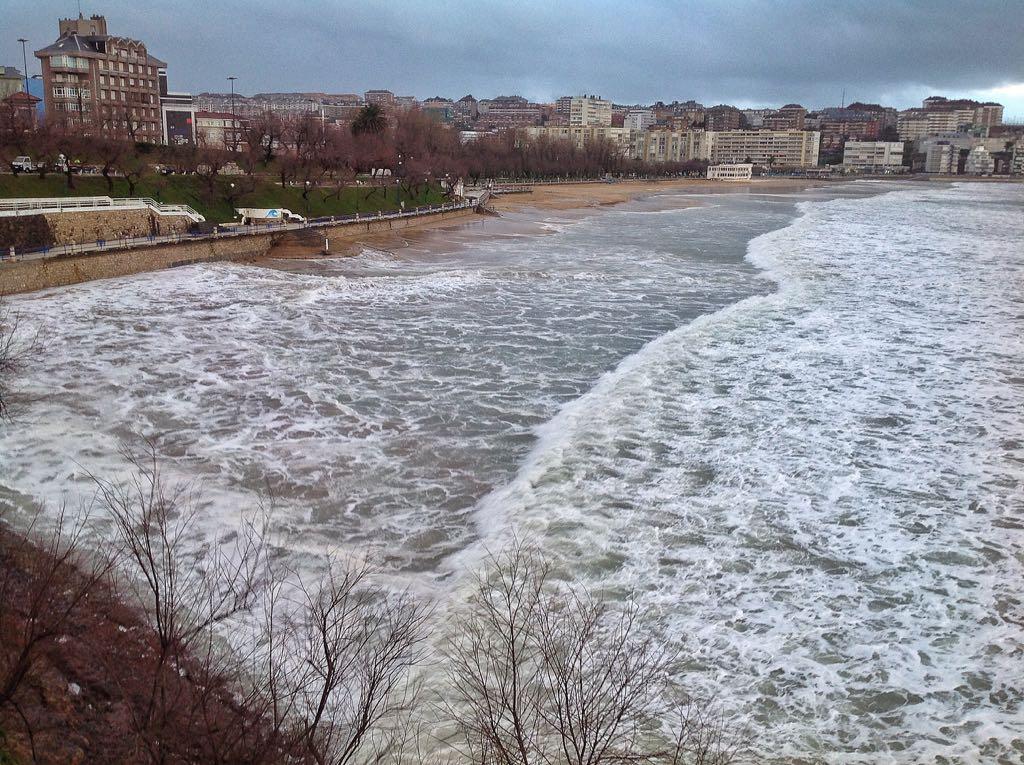 mar-inunda-segunda-sardinero