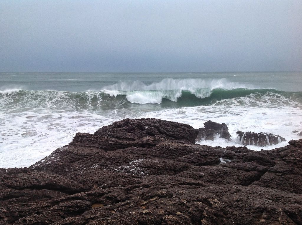 ola-sardinero-rocas