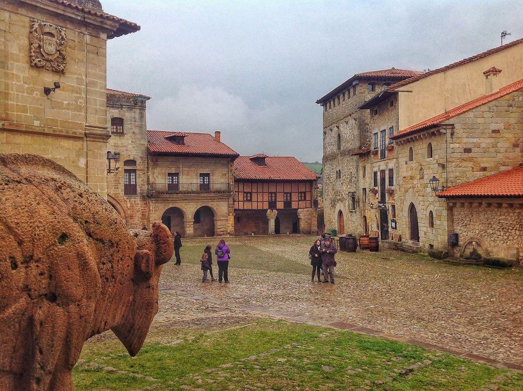 bisonte-santillana-cantabria