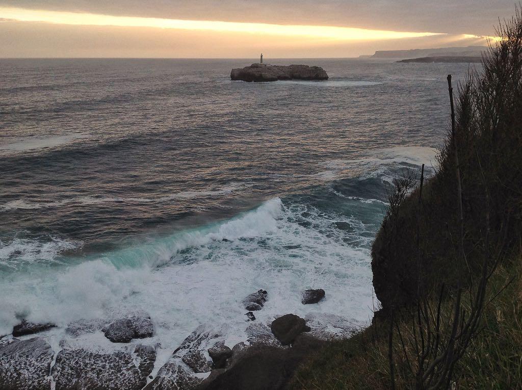 isla-mouro-acantilado