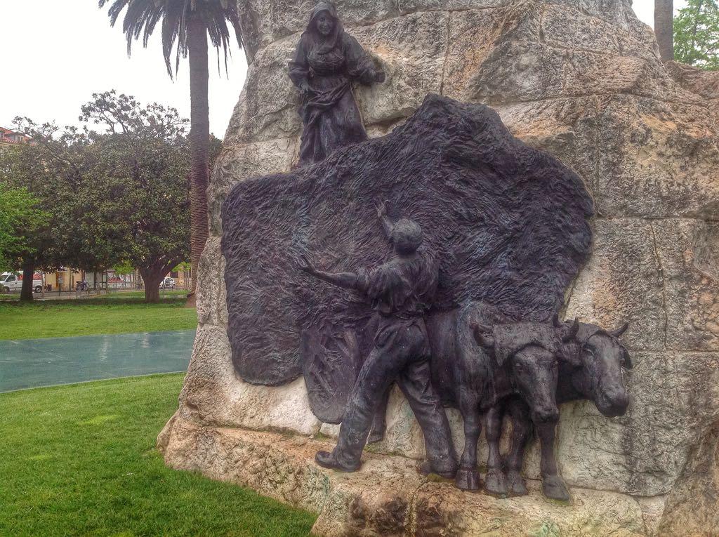 monumento-pereda-charla