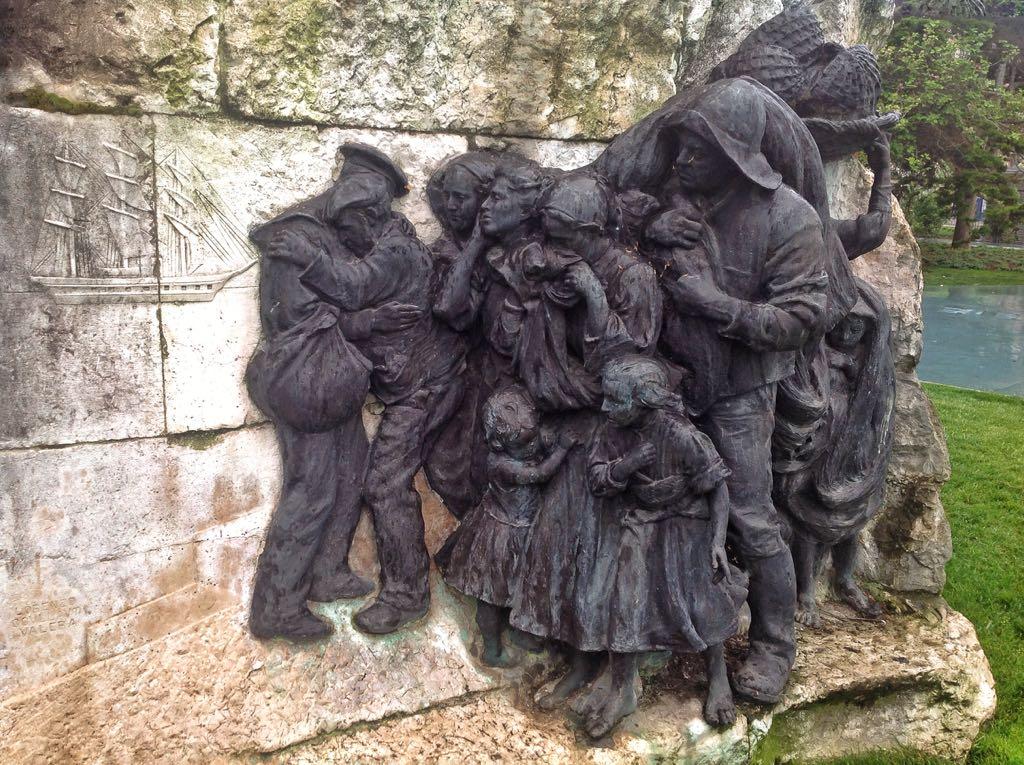 monumento-pereda-familia
