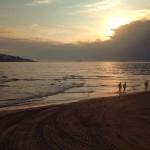 Sol y sombra por la orilla del Sardinero. Placer supremo