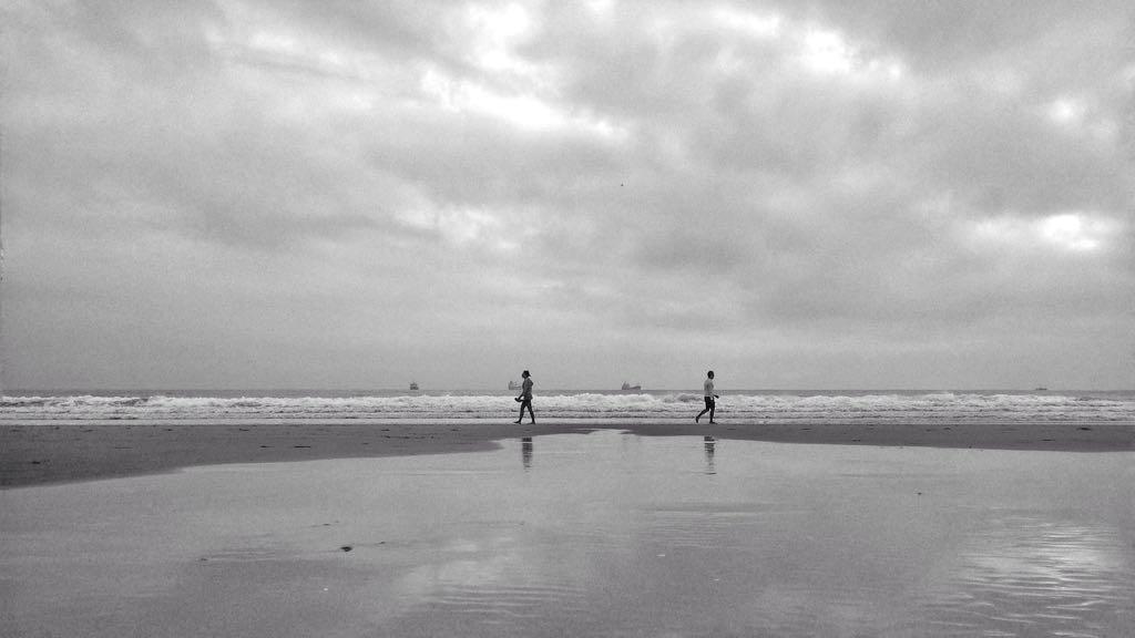 horizonte-blanco-negro-sardinero