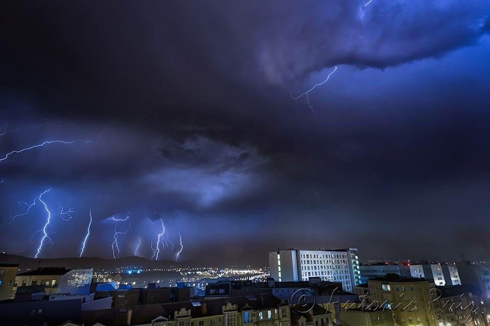 rayos-tormenta-valdecilla