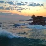 Amanece con la mar revoltosa