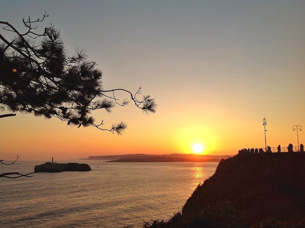 pino-amanecer-santander