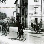 En bicicleta y carro por la carretera de Barreda