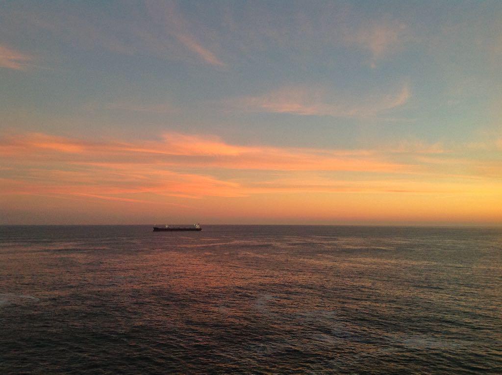 buque-amanecer-abra-sardinero