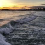 Anatomía de una ola al amanecer