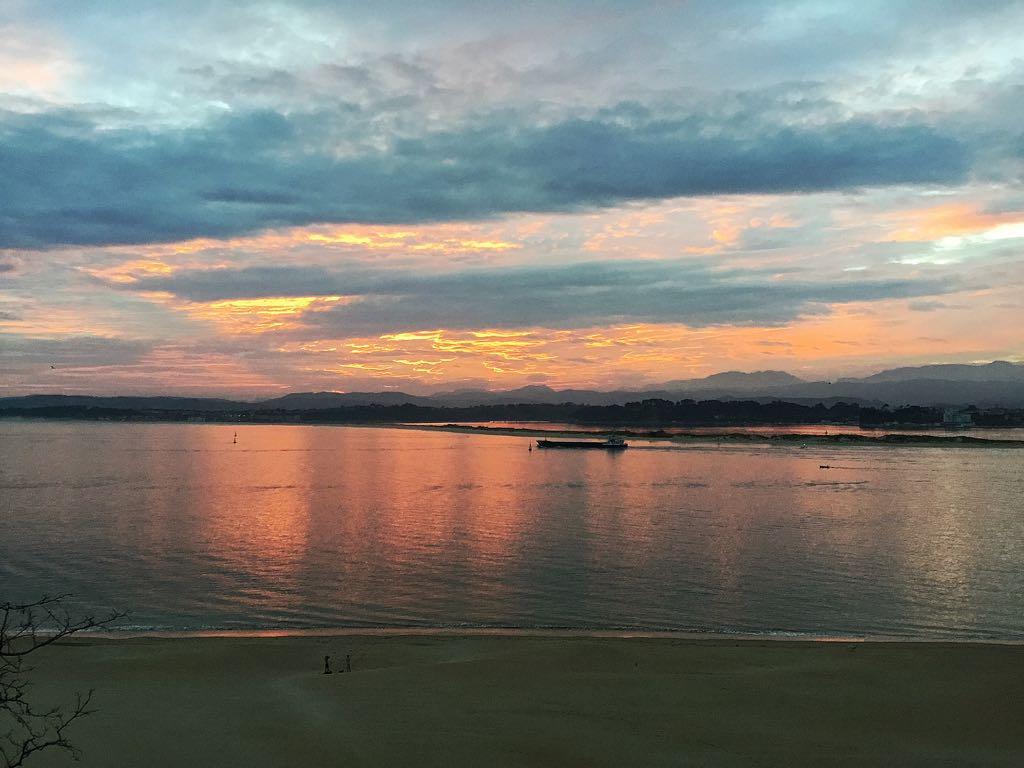 bahia-buque-amanecer-santander