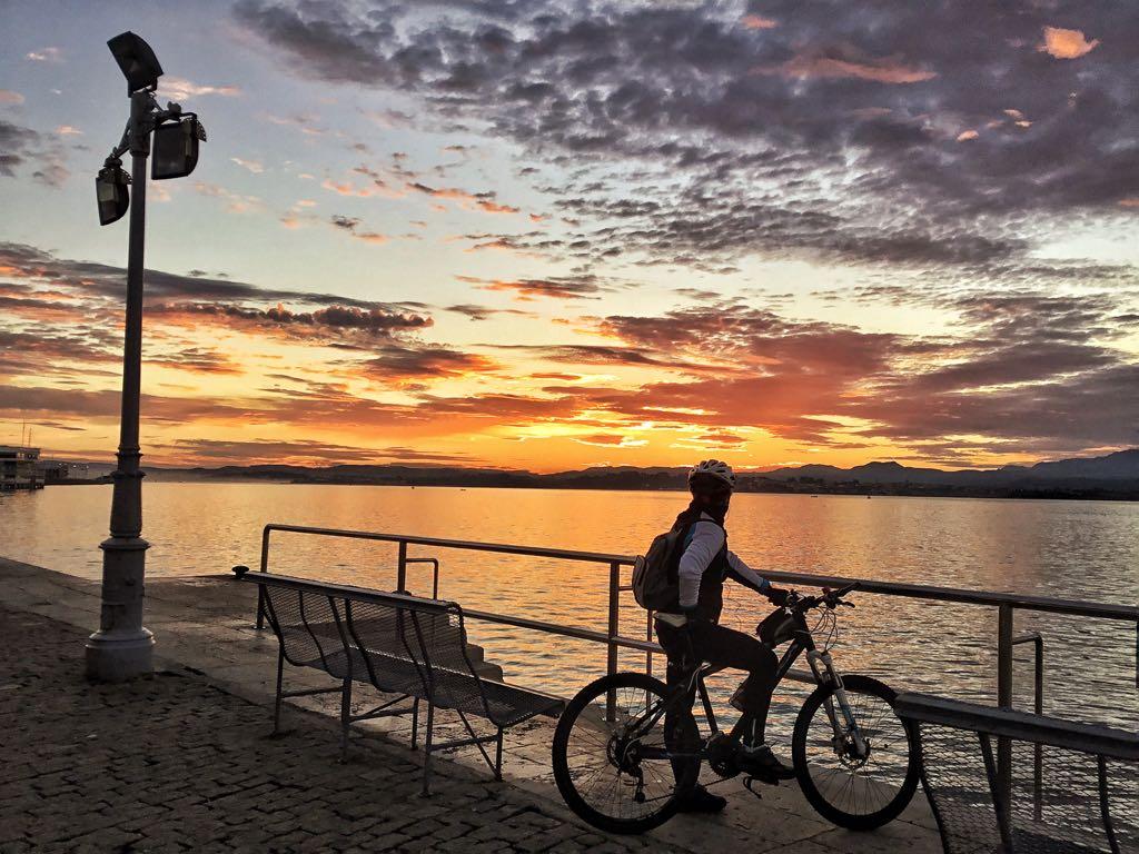 bici-amanecer-santander