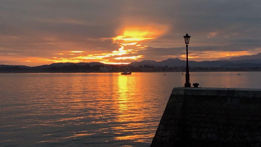 farola-embarcadero-santander-amanecer