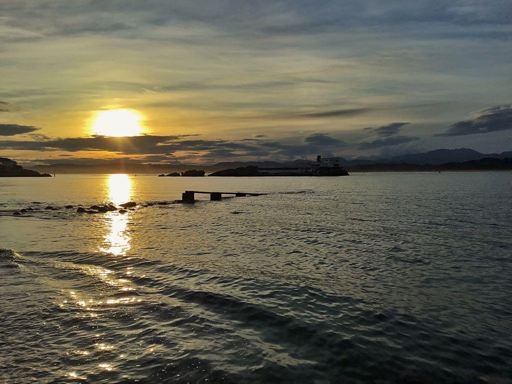 amanecer-bahia-santander-isla-torre