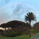 Un arco iris con un pie en la bahía y el otro en el Sardinero