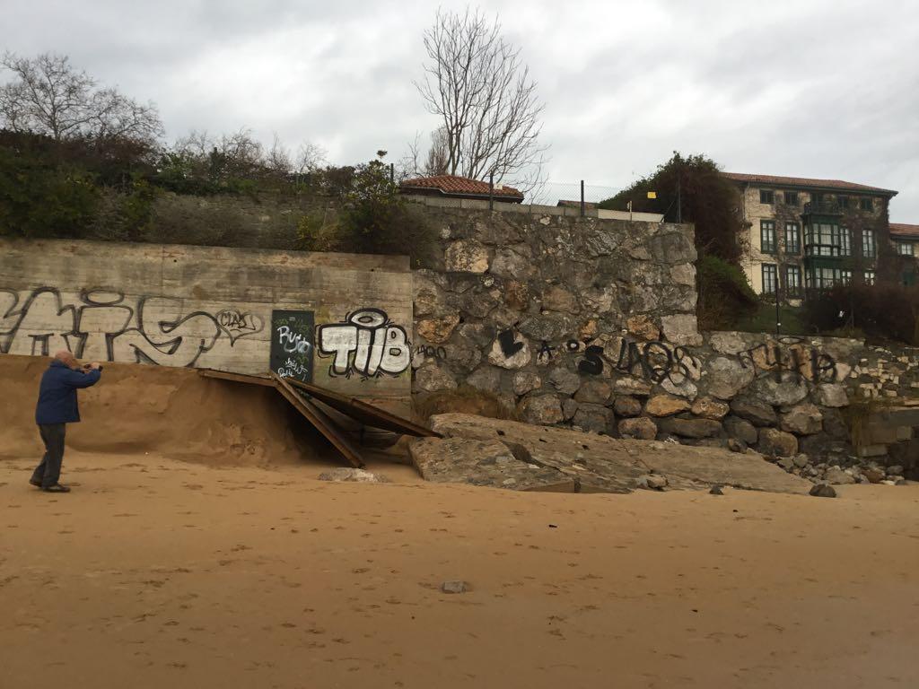 destrozos-temporal-playa-magdalena-santander
