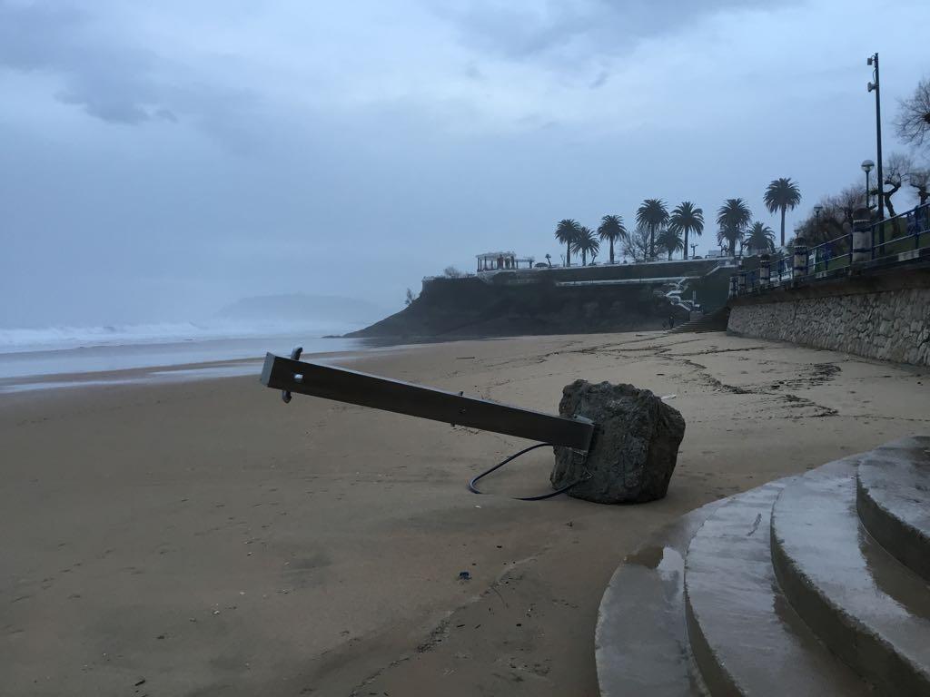 temporal-santander-playa-ducha
