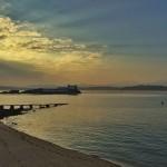 Calma chicha al amanecer en la bahía y en el Sardinero